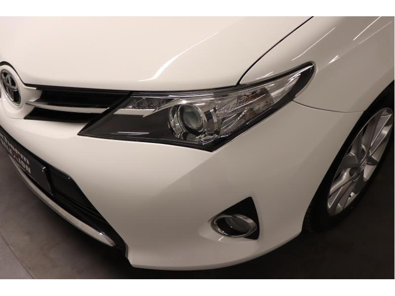 Toyota Auris 1.4 D-4D 6 MT - photo 35