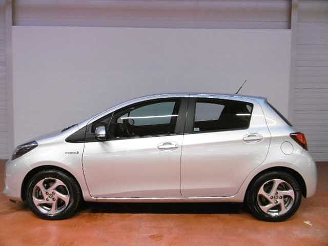 Toyota Yaris 1,5 Hybrid e-CVT - photo 4
