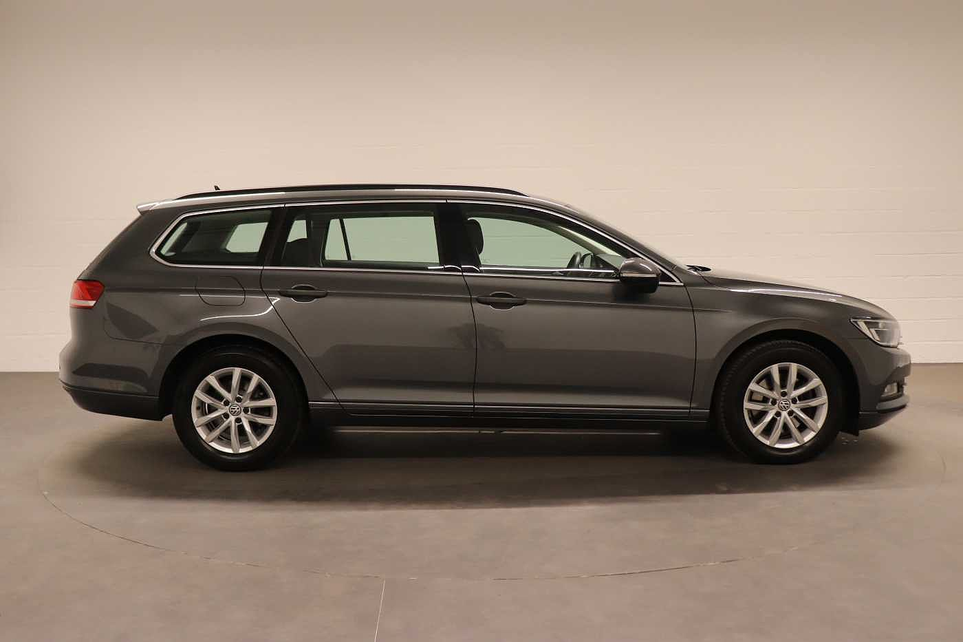 Volkswagen Passat 1.6Tdi - photo 7