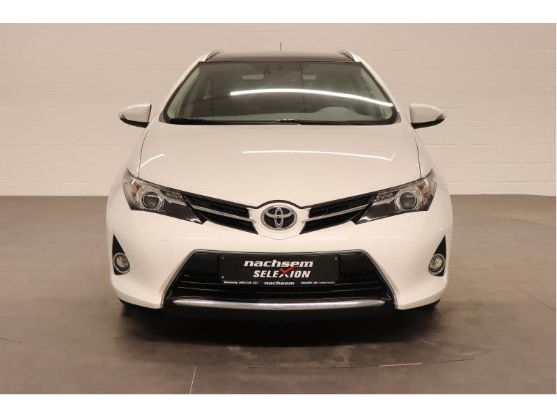 Toyota Auris 1.4 D-4D 6 MT - photo 10