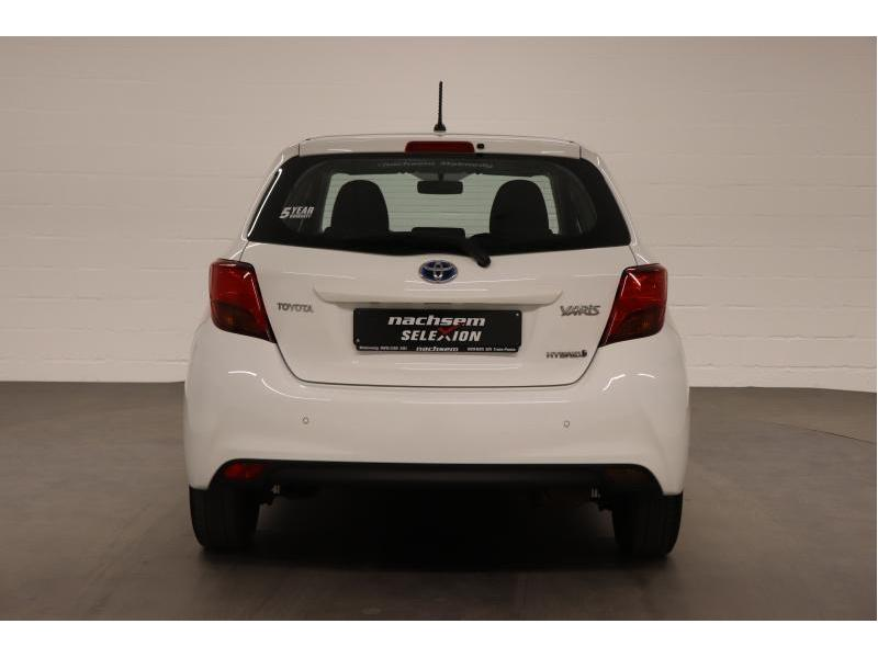 Toyota Yaris 1,5 Hybrid e-CVT - photo 6
