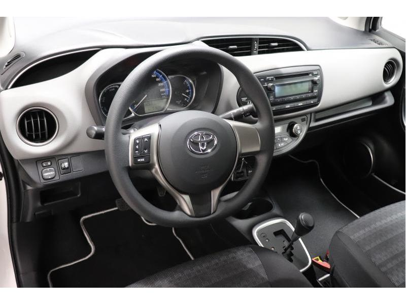 Toyota Yaris 1,5 Hybrid e-CVT - photo 14