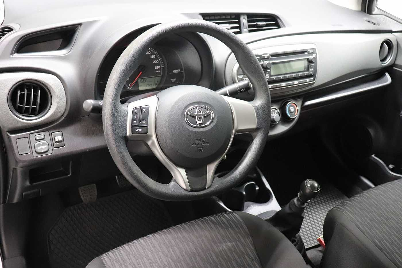 Toyota Yaris 1.4 D-4D 6MT - photo 12